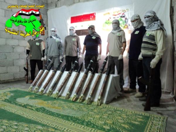 جيش النقشبندية قصف مقر للعدو الامريكي بصاروخي الحق بتاريخ 13-8-2013 126