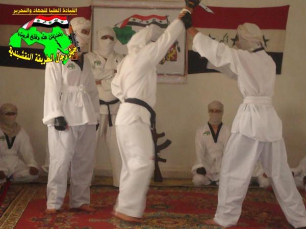 عاجل جيش رجال الطريقة النقشبندية قصف مقر للعدو الامريكي بتاريخ 27-8-2012 215