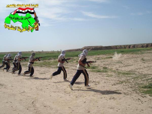 جيش النقشبندية قصف مقر للعدو الأمريكي بـ 4 صواريخ الحق بتاريخ 10-4-2013 222