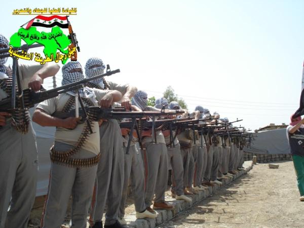 عاجل جيش النقشبندية قصف مقر للعدو الامريكي بصاروخي النذير بتاريخ 7-7-2012 241
