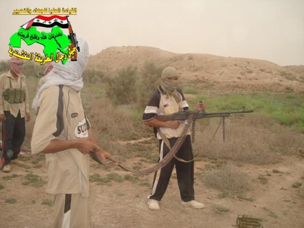 جيش النقشبندية قصف مقر العدو الأمريكي بـصاروخ البينة المطور بتاريخ 30-3-2013 255