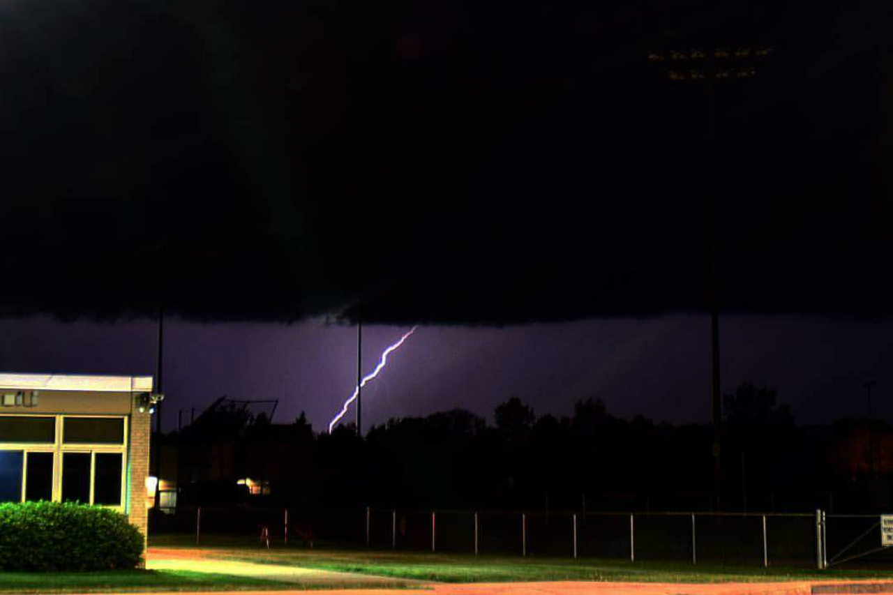 Lightning in Waterloo (photo)